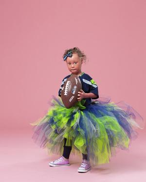 Фото №8 - Девочка с редкой болезнью кожи стала моделью