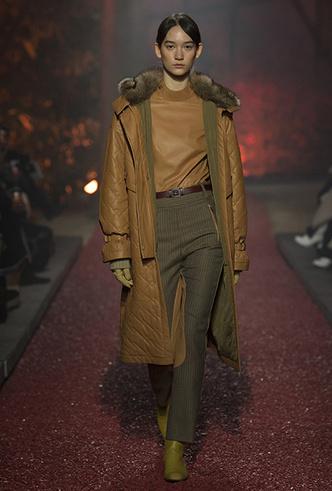 Фото №7 - Как сочетать кожаные вещи между собой: мастер-класс от Hermès FW18-19