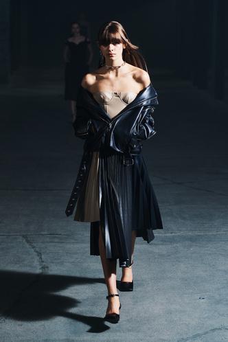 Фото №18 - Полный гид по самой модной верхней одежде на осень и зиму 2021/22