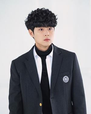 Фото №2 - Звезда дорамы «Чудесный слух» Чо Бён Гю ответил на обвинения в школьном буллинге