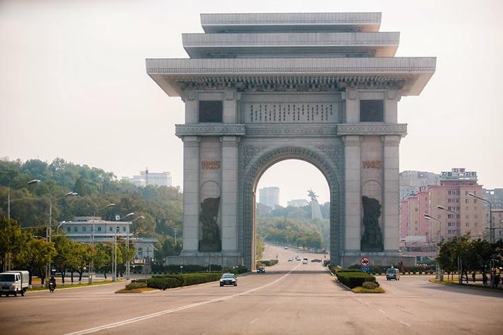 Фото №3 - Как живут люди в Северной Корее