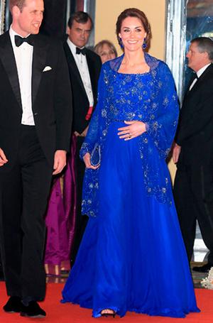 Фото №9 - Почему Кейт носит старые наряды, а Меган покупает новые