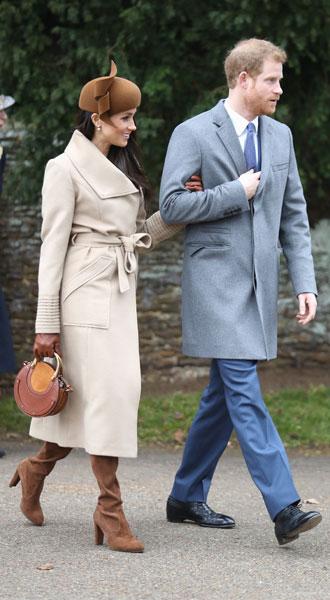 Фото №2 - Главная покупка сезона: где искать классическое бежевое пальто, как у Меган