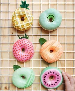 Фото №3 - Тест: Выбери пончик, и мы скажем, на кого из звезд ты похожа больше всего