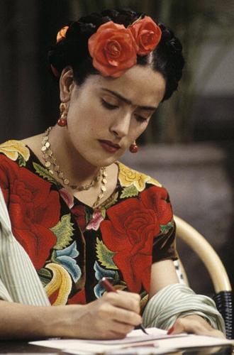Фото №11 - Экскурс в историю: 3 украшения, вдохновленные культовыми женщинами