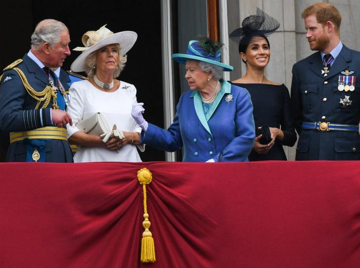 Фото №3 - Предательство Гарри: за что Королева и принц Чарльз не могут простить герцога Сассекского