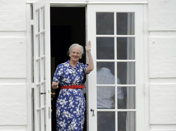 Фото №1 - Секрет молодости: в Сети обсуждают идеальную фигуру 80-летней королевы Дании