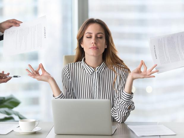 Фото №1 - Техника таппинг: как избавиться от стресса за пять минут