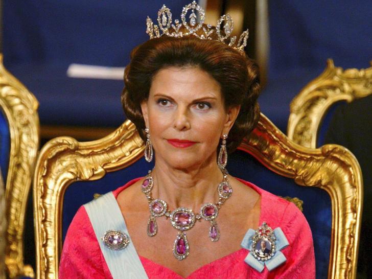 Фото №11 - От герцогини Кейт до кронпринцессы Мэри: как королевские особы носят топазы