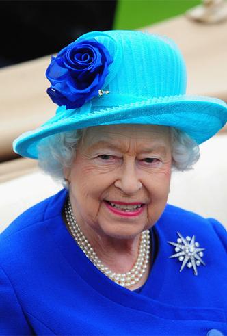 Фото №19 - Делайте ставки, господа: шляпки Королевы на Royal Ascot