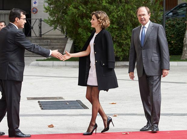 Фото №8 - Искусство провокации: как королевские модницы носят мини