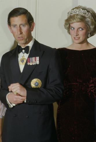 Фото №4 - Сомнения невесты: где и как Чарльз провел ночь накануне свадьбы с Дианой