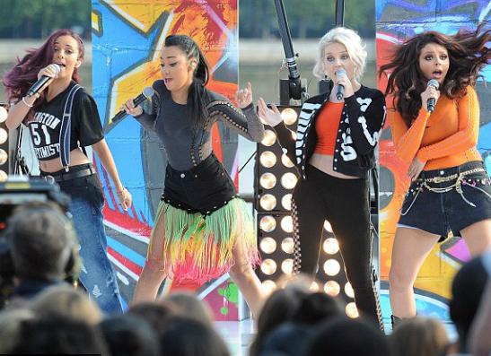 Фото №1 - Little Mix отправляются в дебютный тур