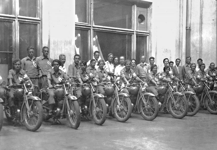 Фото №2 - Сельский шик и гоночные рекорды: история мотоциклов Иж