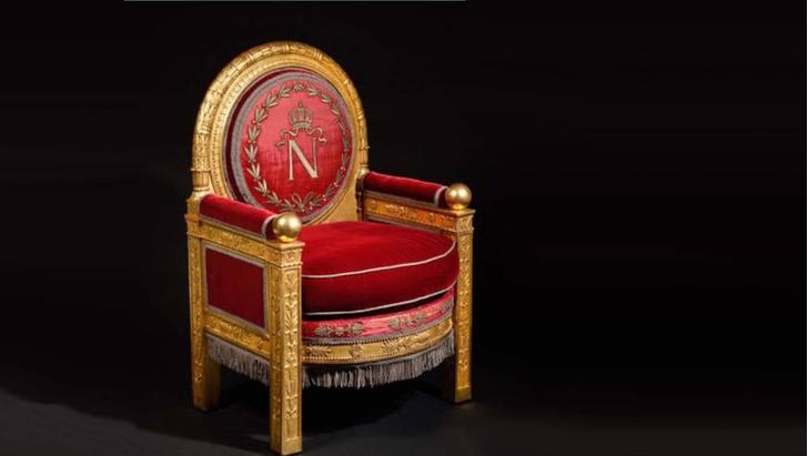 Фото №1 - Трон Наполеона ушел с молотка