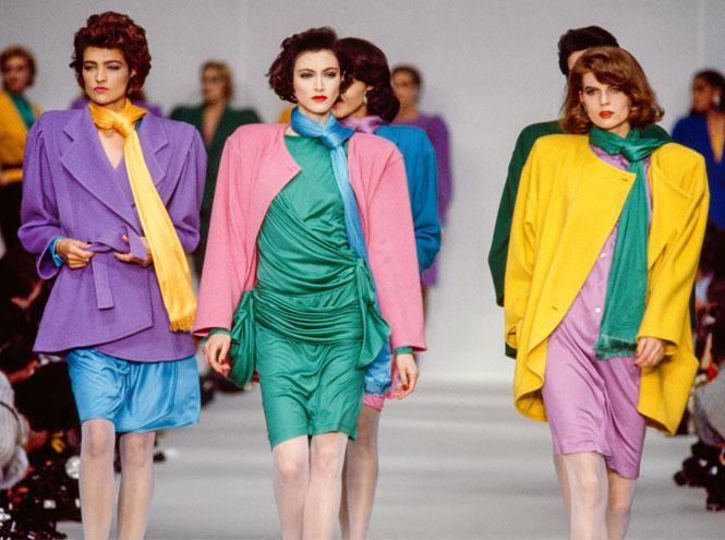 Фото №4 - Король цвета: 40 самых ярких и безумных нарядов Эмануэля Унгаро
