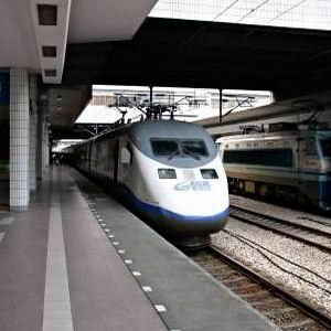 Фото №1 - Китайские поезда разогнались
