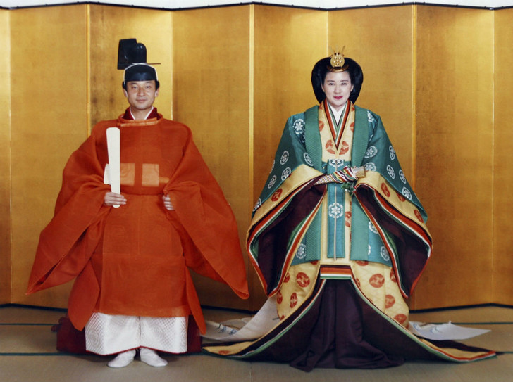 Фото №1 - Королевская свадьба по-японски: как женился наследник Хризантемового трона