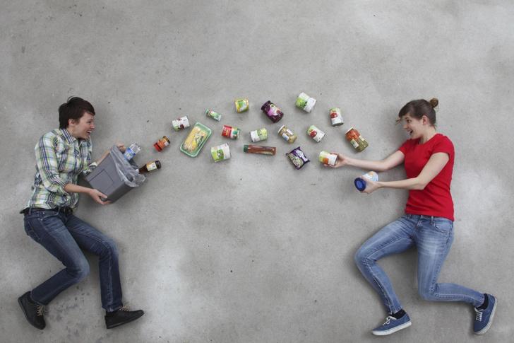 Фото №2 - Нашли на помойке: кто такие фриганы и зачем они питаются мусором