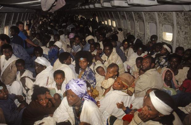 Фото №2 - История одной фотографии: максимальное количеству пассажиров в самолете, май 1991 года