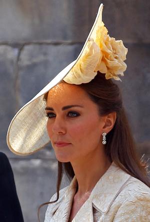 Фото №20 - 25 необычных шляп на королевских свадьбах