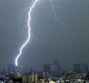Фото №1 - В Москве может выпасть град