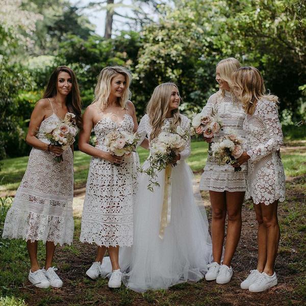 Фото №2 - Тренд свадебной моды 2019: кеды и кроссовки