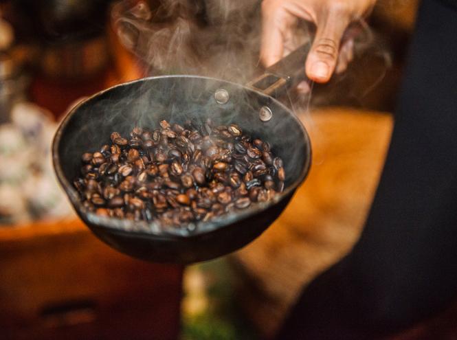 Фото №2 - Обжарка, помол, хранение: тайные знания о кофе, которые сделают вас профессионалом