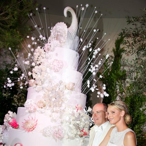 Фото №26 - Сладко: свадебные торты на королевских свадьбах