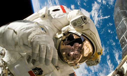 Фото №1 - «Позаботьтесь о своем экипаже». Взгляд космического психолога на самоизоляцию петербуржцев