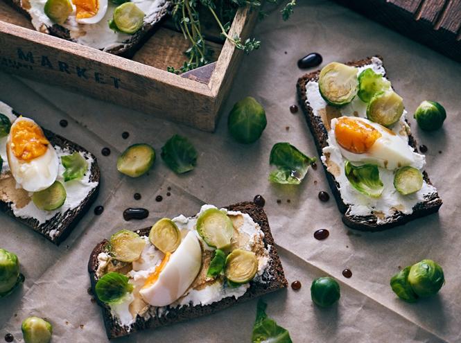 Фото №3 - Легкий перекус: три быстрых и полезных закуски с творожным сыром