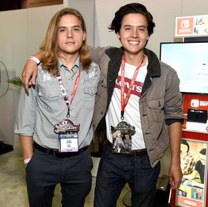 Фото №7 - Как две капли воды: самые известные близнецы Голливуда