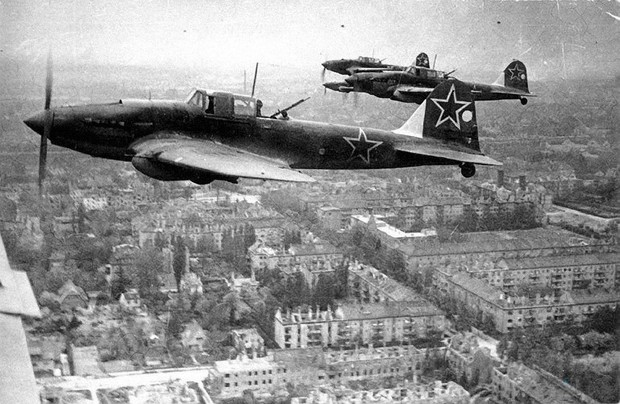 Фото №1 - Летающий танк или летающий гроб? 6 железных фактов о штурмовике Ил-2