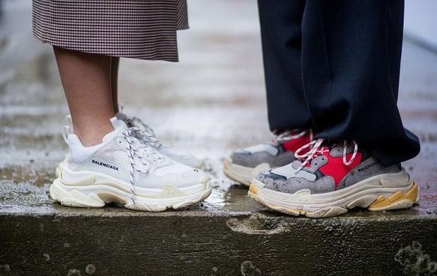 Фото №1 - Что купить: 5 кроссовок в стиле daddy`s shoes для самой стильной весны
