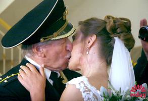 Иван Краско с молодой женой: фото