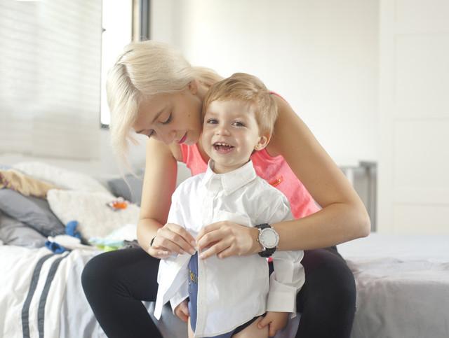 Как научить ребёнка одеваться самостоятельно