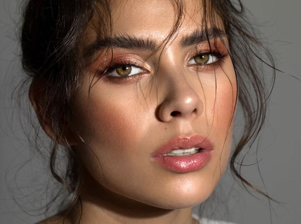 Фото №1 - Правила сочетания: как носить косметику и контактные линзы