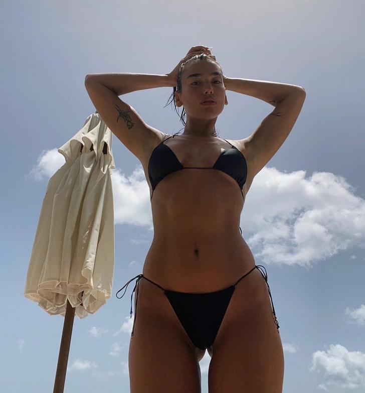 Фото №2 - Не надо стесняться: Дуа Липа в миниатюрном бикини на отдыхе в Сент-Люсии