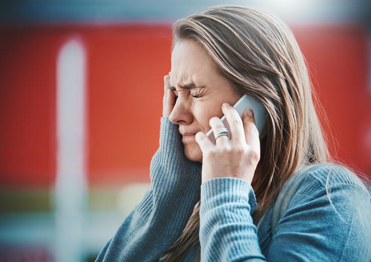 Фото №1 - Как понять по переписке в телефоне, что ваши отношения пора заканчивать