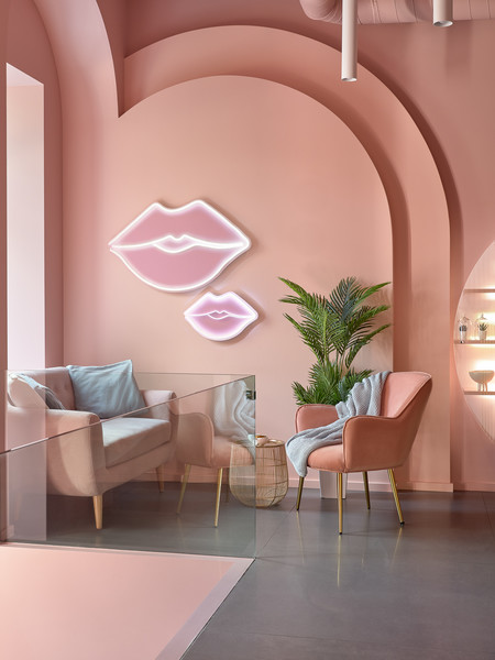 Фото №3 - Салон красоты Glossy & Go в Москве