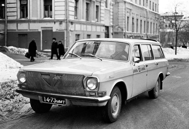 Фото №1 - Зачем на радиатор советских автомобилей надевали маски