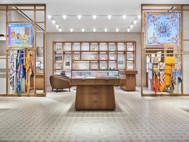 Фото №1 - Новый бутик Hermès в ТЦ «Времена года»
