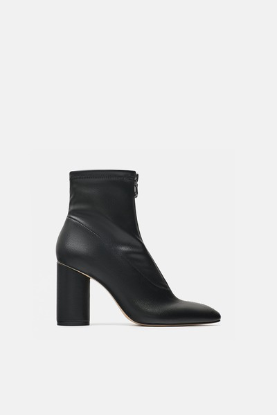 Фото №1 - Вишлист: 5 пар обуви, без которой тебе не обойтись этой весной