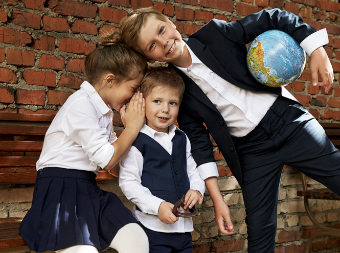 Фото №1 - Артём, Яна и Арсений Аршавины в рекламе школьной формы H&M