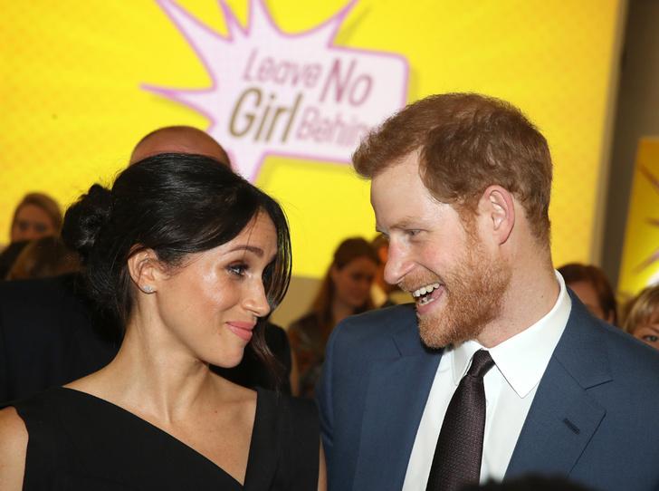Фото №1 - Меган Маркл и принц Гарри посетили прием, посвященный правам женщин