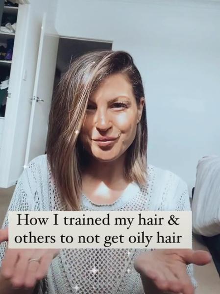 Фото №1 - Парикмахер показала, что будет с волосами, если мыть их раз в два месяца