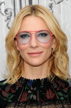 Фото №15 - Вам идет: как подобрать оправу очков по форме лица