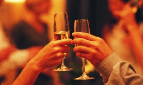 Фото №1 - Как отличить опьянение от отравления и чем надо лечить похмельный синдром