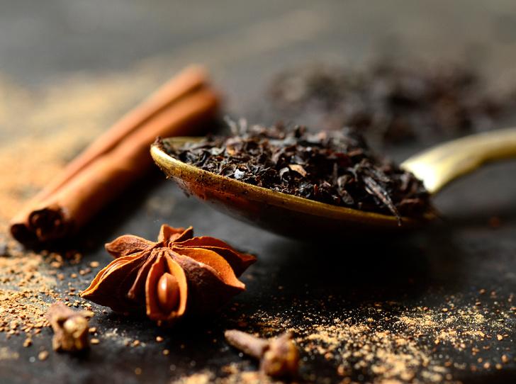 Фото №6 - Согреться и взбодриться: 6 необычных рецептов чая с пряностями