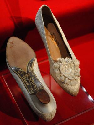 Фото №2 - Почему принцесса Диана не могла надеть на свою свадьбу туфли на высоком каблуке